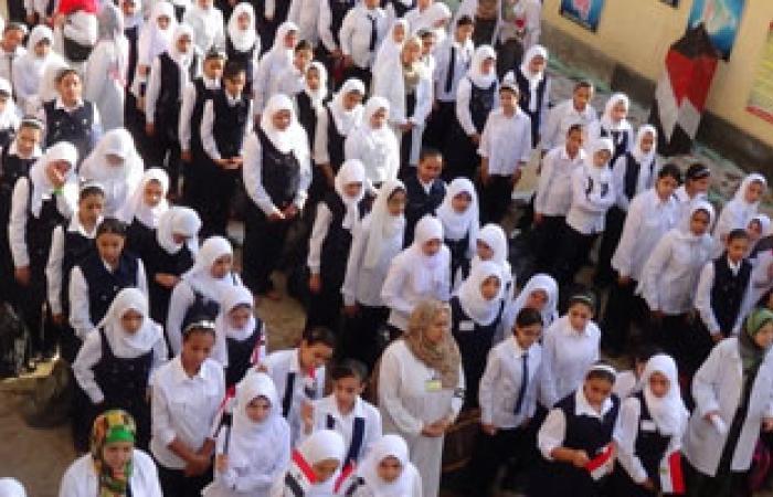 حجز فتاتين تنكرتا فى زى مدرسى وهتفتا ضد الجيش داخل مدرسة بالشرقية