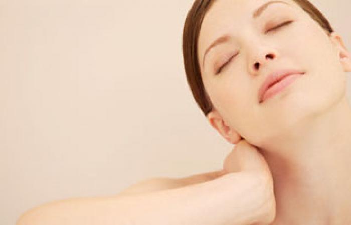 كيفية عمل قناع لنعومة البشرة والتخلص من الجلد الميت