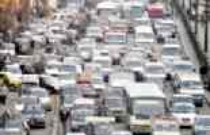 شوارع القاهرة تغرق فى الزحام المرورى.. «سنة حلوة يا مدارس»
