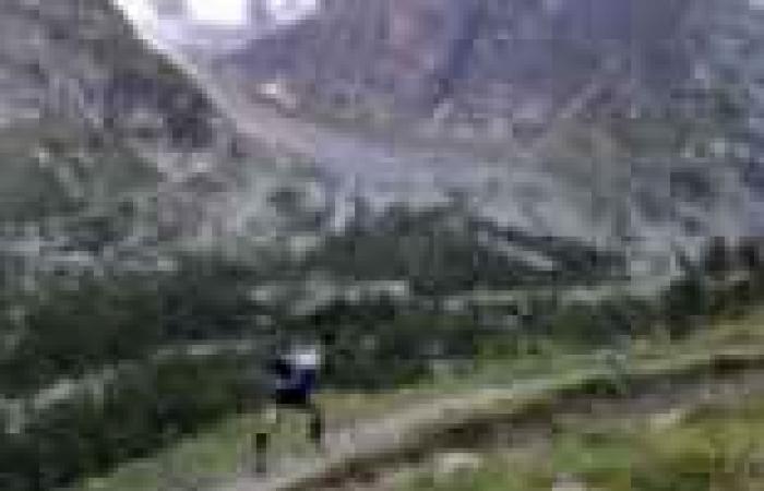 متسلق شاب يعثر على كنز فوق الجبل الأبيض على الحدود الإيطالية - الفرنسية