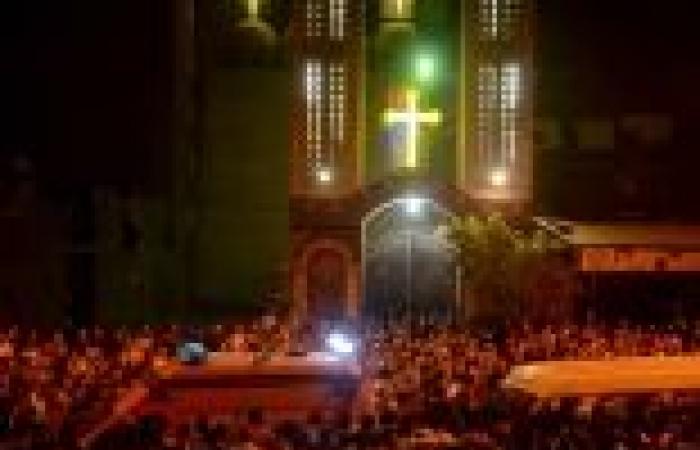 «جارديان»: مسيحيو مصر «كبش فداء» لأنصار «مرسى»