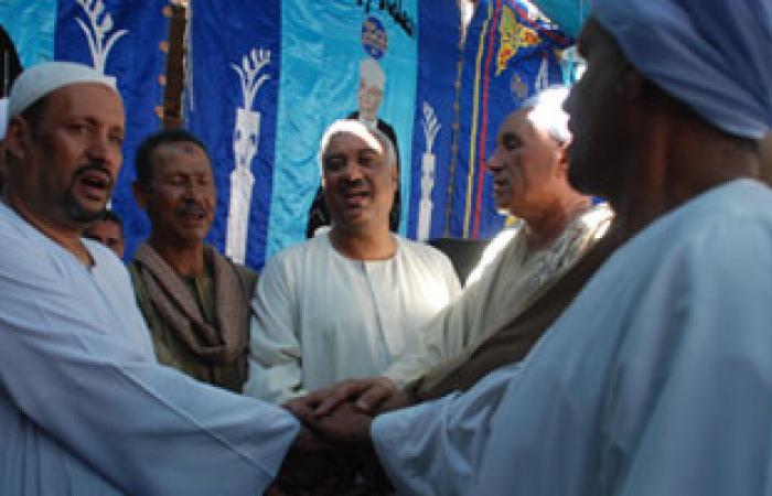 محافظ سوهاج يشهد جلسة صلح بين عائلتين بمركز جرجا
