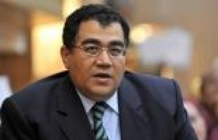 عبدالله كمال يطالب أصحاب البلاغات ضد باسم يوسف بسحبها