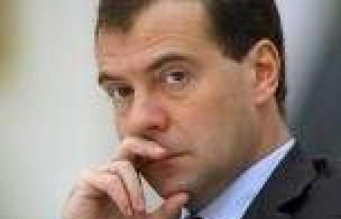 «ميدفيديف»: الصين ليست جارا خطيرا بل شريك روسيا الاستراتيجي