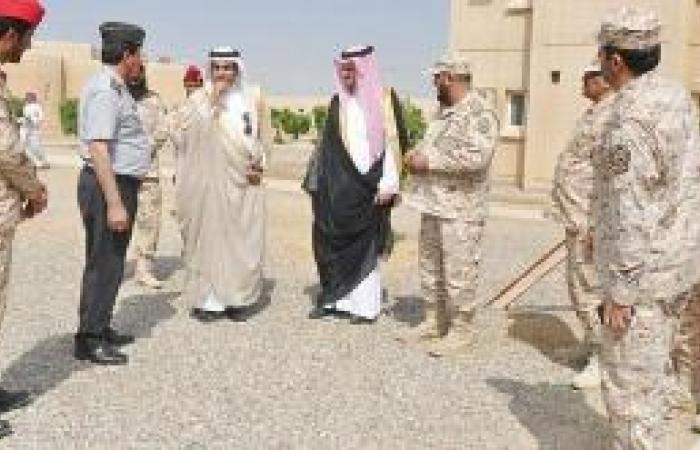 محافظ ينبع يزور كتيبة مكافحة الشغب 71