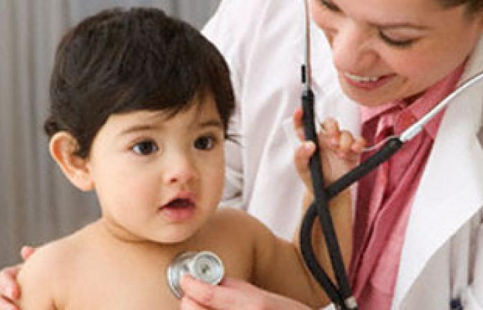 الأمراض الفيروسية والبكتيرية الأكثر انتشارا بين الأطفال بفصل الشتاء