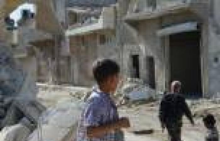 «المرصد السوري»: مقتل 40 على الأقل في قصف لقوات «الأسد» بحلب شمال سوريا