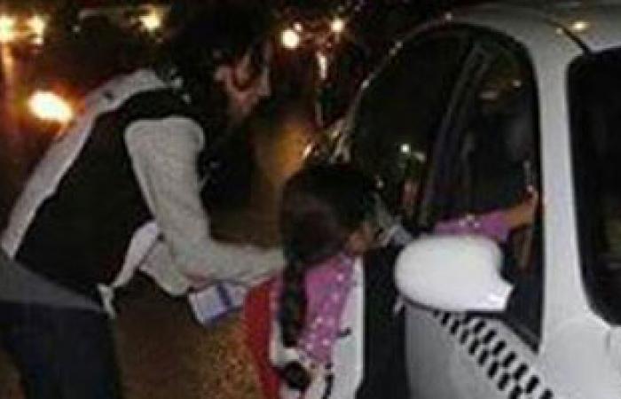 """بالصورة.. الطفلة """"ماريا"""" أصغر متطوعة لحملة التوعية المرورية بالقاهرة"""