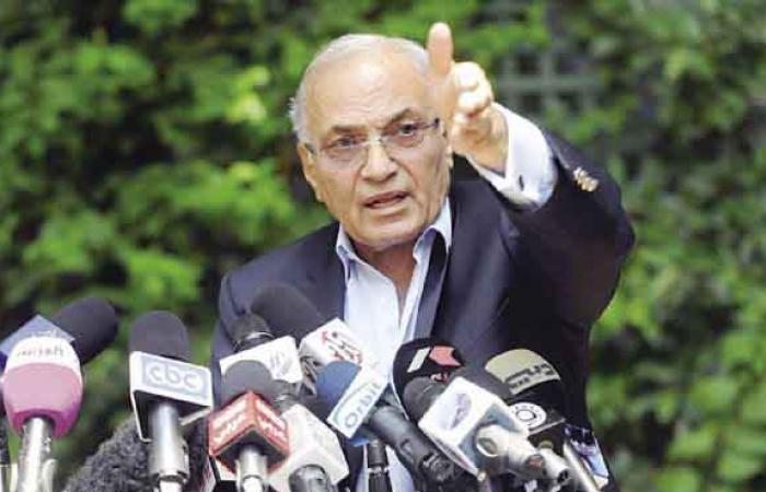 """شفيق: الإخوان يحكمون مصر منذ 28 يناير.. وحديثهم عن الطرف الثالث """"مؤامرة"""""""