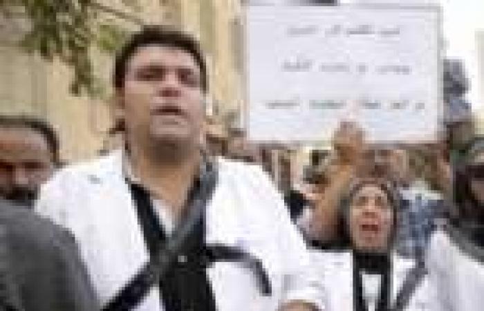 «الأطباء»: قرارات «المهن الطبية» بالإضراب غير ملزم