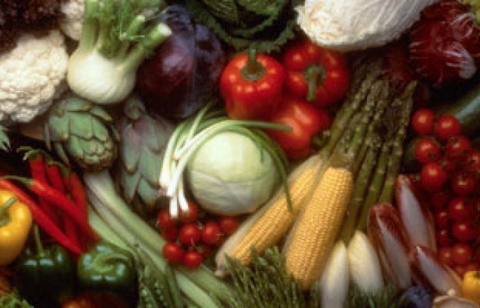 30% تراجعًا فى أسعار الخضراوات بسوق العبور والركود يضرب الأسواق