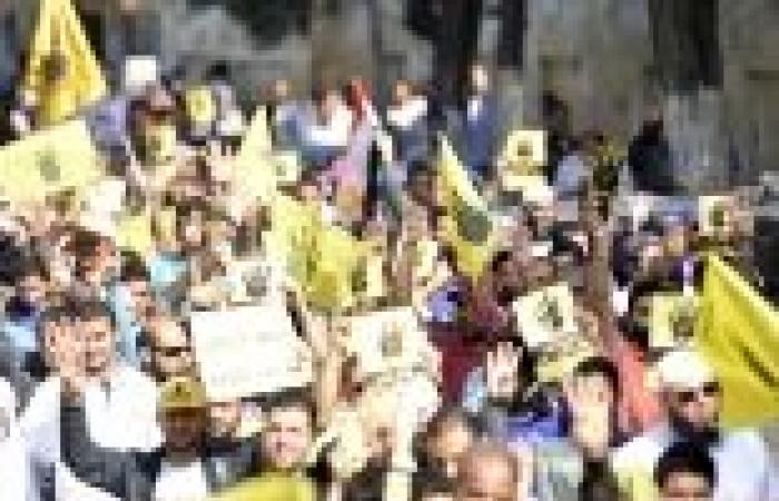 """مسيرة لشباب """"الإخوان"""" بدمياط للحشد لـ""""25 يناير"""".. ويصفون الاستفتاء بـ""""المزور"""""""
