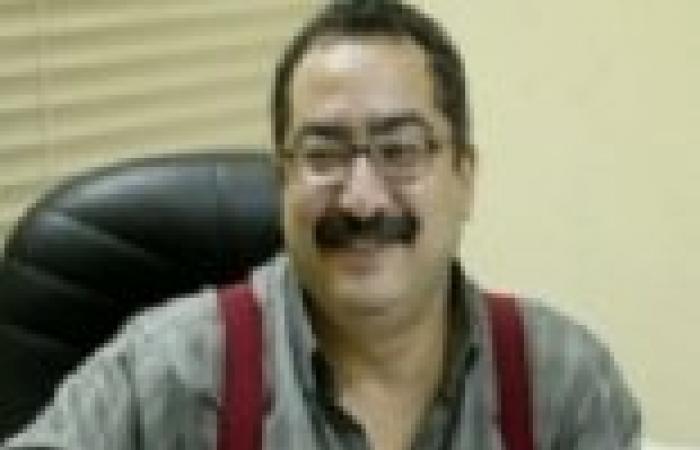 بالفيديو  إبراهيم عيسى يداعب محرري برنامجه في بداية الحلقة