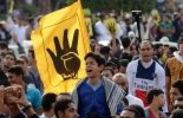 عاجل| انطلاق مسيرتين لأنصار الرئيس المعزول بالإسكندرية للحشد في 25 يناير