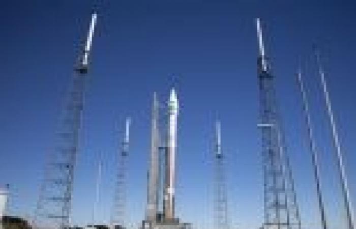""""""" ناسا"""" تطلق أحدث قمر صناعي من الجيل الثالث لدعم الإتصالات بالمحطة الفضائية"""
