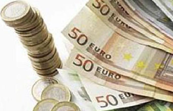 ضبط راكب حاول تهريب 50 ألف يورو أثناء سفرة إلى تركيا