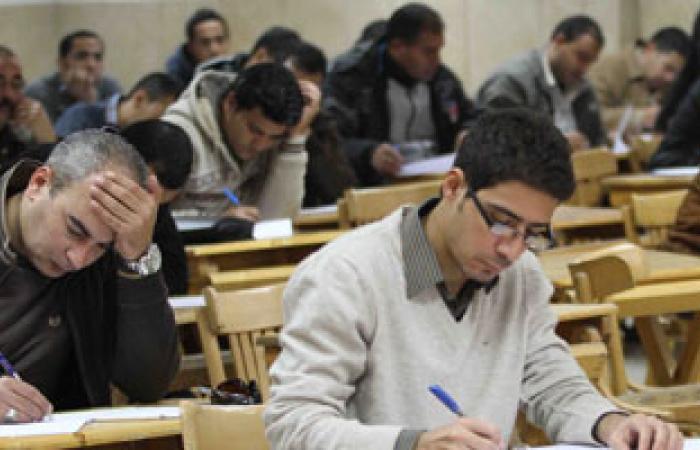 انتظام امتحانات التعليم المفتوح وتشديدات أمنية على بوابات جامعة القاهرة