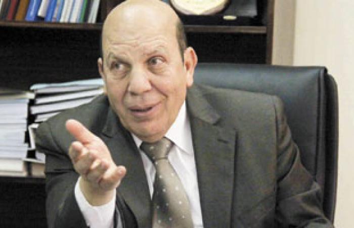 وزير التنمية المحلية يصل عزاء اللواء محمد السعيد بمسجد الشرطة بأكتوبر