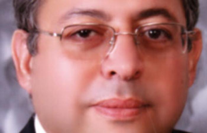 أستاذ بجامعة الأزهر: عدلى منصور أدار الدولة بعيدًا عن الديكتاتورية