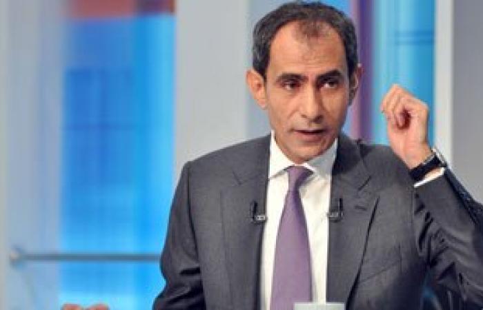 يسرى فودة يذيع تقريرا مطولا عن احتفالات المصريين بفوز السيسى