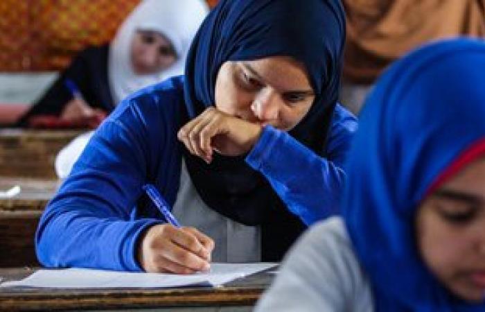 وصول أوراق أسئلة الثانوية العامة مديرية التعليم بالجيزة