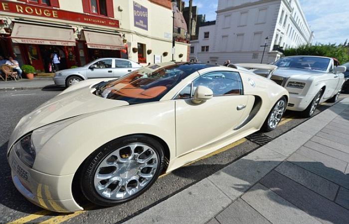 بالصور.. السياح العرب في بريطانيا: سيارات من الذهب الخالص ومشتريات تُقدّر بالملايين