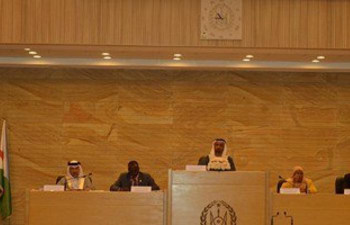 البرلمان العربى يدعو لرفع حظر التسليح عن الجيش الليبى وحل الأزمة السورية
