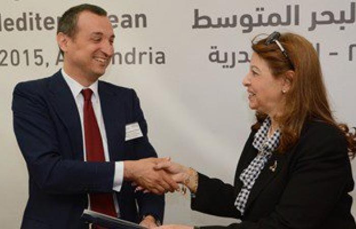 """نائب محافظ الإسكندرية تكرم المساهمين فى مشروع """"غيط العنب"""" السكنى"""