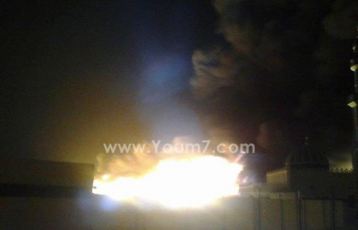 بالصور.. حريق هائل بمصنع إسفنج فى الروبيكى ببدر.. وانتقال سيارات الإطفاء
