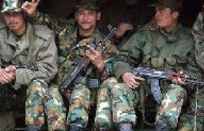 الجيش السورى يطلق قنابل مضيئة فوق جبال لبنان الشرقية