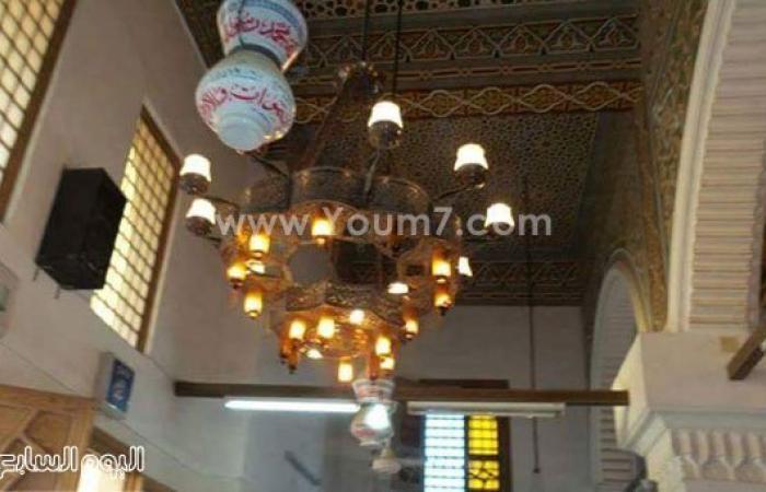 تركيب أعمدة إنارة جديدة ببرج العرب ومد التيار لإنارة مسجد الرحمة