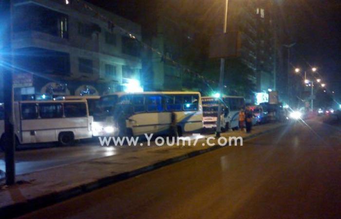 بالصور.. سائقون يغلقون شارع السودان بالمهندسين للتزود بالوقود