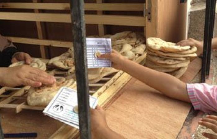 العاملون بمشروع الخبز بأسيوط يحررون محضرا ضد رئيس مدينة أبنوب