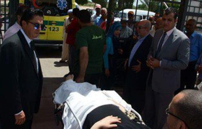 محافظ الإسكندرية يطلب سيارة إسعاف لسيدة مصابة خلال تفقده مركز علاج الأورام