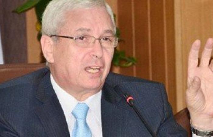 """وزير التعليم العالى تعليقاً على """"عشان لو جه ميتفاجئش"""": قالولى الصور قديمة"""