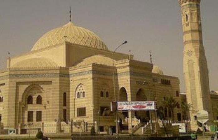 بدء توافد المصلين لأداء صلاة العيد بمسجد الحصرى.. وتكثيف أمنى بأكتوبر