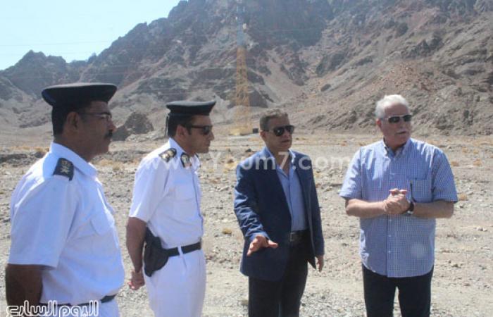 بالصور.. محافظ جنوب سيناء يلتقى بدو دهب ويهنئهم بعيد الفطر المبارك