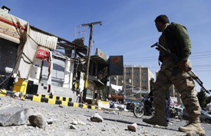 مصادر يمنية: طيران التحالف يقصف مواقع للحوثيين فى البيضاء