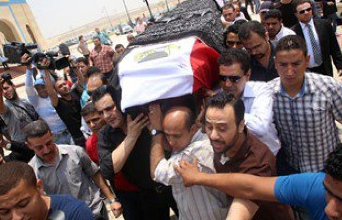 """تشيع جثمان شهيد """"دماص"""" بسيناء بمسقط رأسه وسط هتافات ضد الإخوان"""