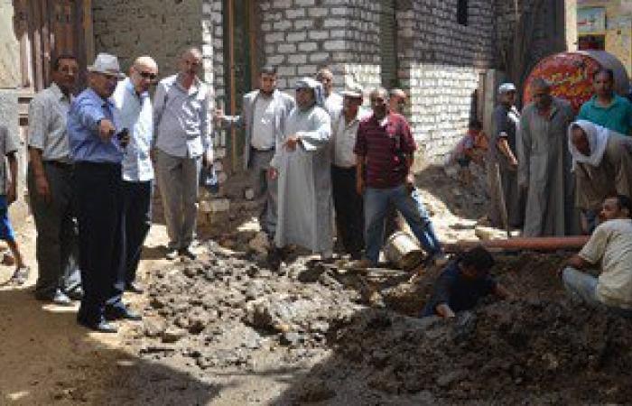 """محافظ بنى سويف يوجه بسرعة حل مشكلة تسرب المياه فى قرية """"بنى بخيت"""""""
