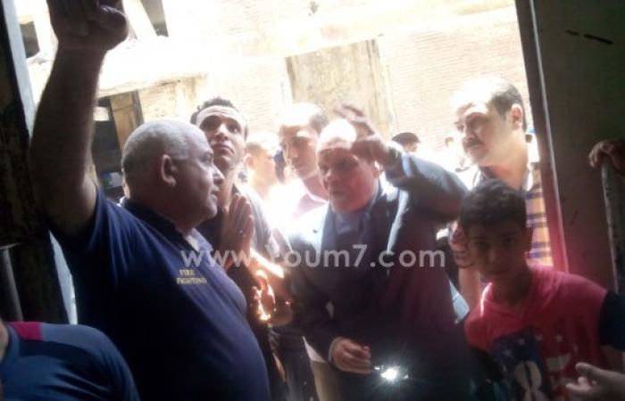 بالصور.. مدير أمن القليوبية يتفقد مصنع النشا المحترق بشبرا الخيمة