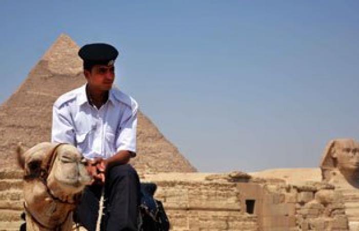 شرطة السياحة والآثار تزيل المبانى المخالفة الواقعة فى حيز المناطق الأثرية