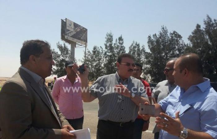 """بالصور.. وزير النقل لشركات تطوير طريق وادى النطرون: """"الشغل ده مينفعشى"""""""
