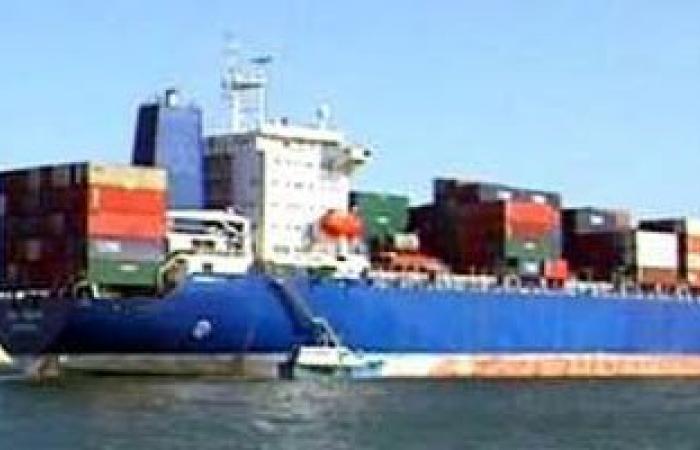 وصول 4320 رأس ماشية و155 ألف طن قمح وجازولين لميناء الإسكندرية