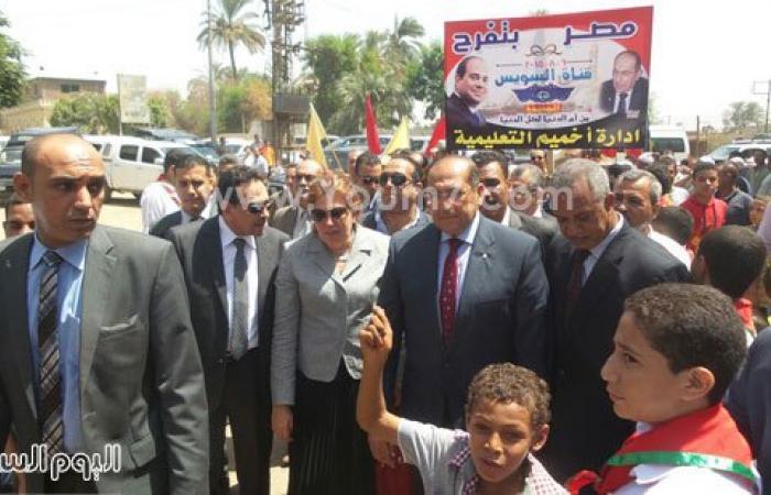 بالصور.. وزيرة السكان تتفقد مدرسة الذكر الحكيم بقرية نيدة فى سوهاج