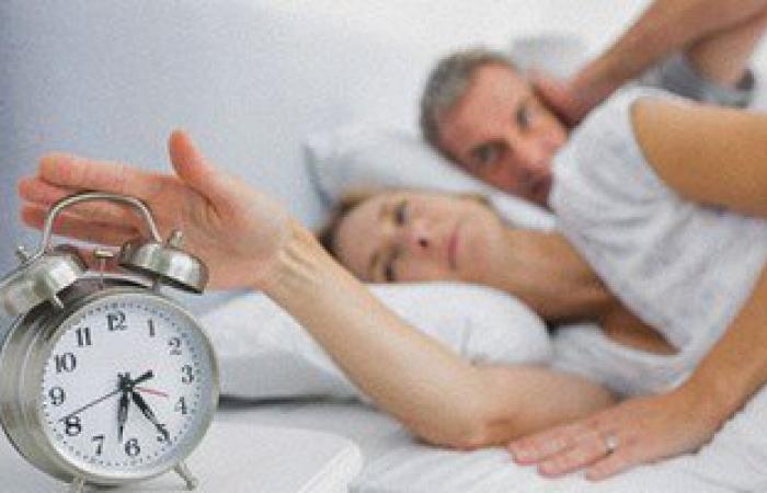 """الاستيقاظ مبكرا وتغيير مواعيد النوم يسبب السمنة والسكر وأمراض القلب """"تحديث"""""""