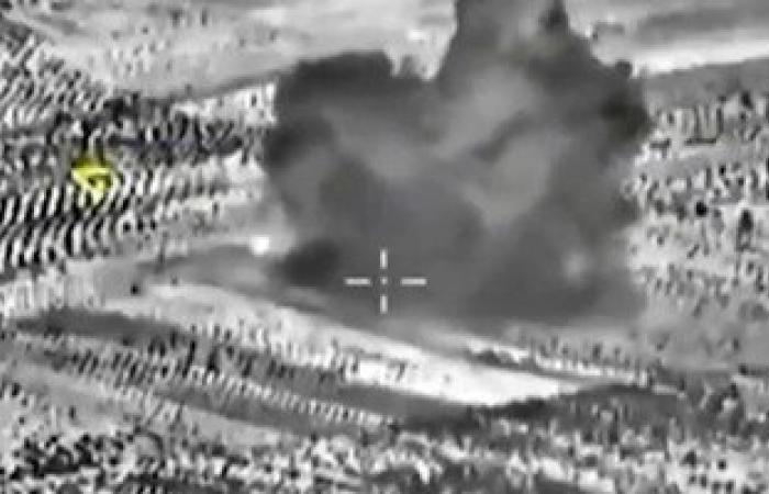 """بالصور.. الطيران الروسى يدمر مستودعا ومصفاة للنفط تابعة لــ """"داعش"""" فى سوريا"""