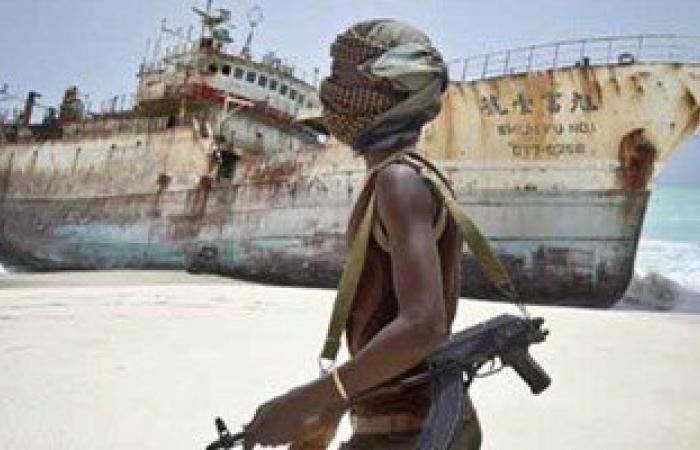مسئول: قراصنة صوماليون يخطفون سفينة صيد إيرانية وطاقمها