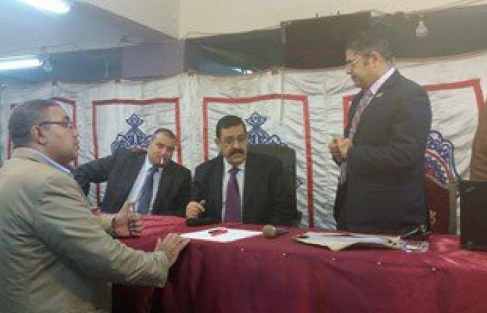 بالصور.. المستشار ناجى شحاتة يصل اللجنة العامة فى المرج لبدء فرز الأصوات