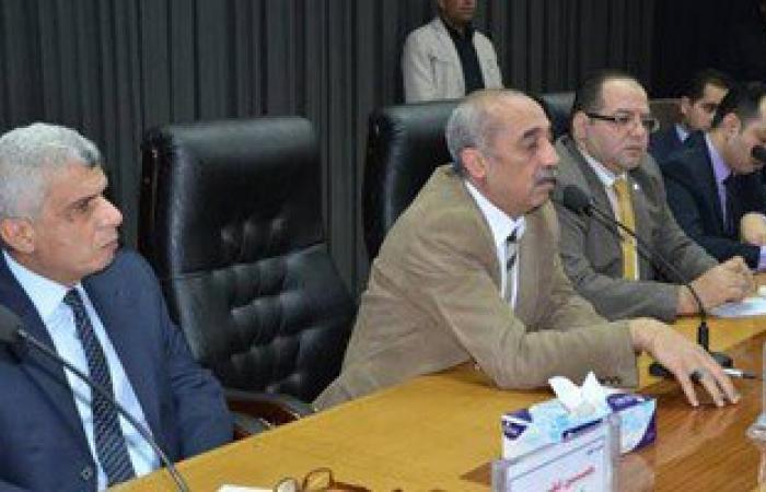 بالصور.. محافظ كفر الشيخ يترأس اجتماعا لبحث تطوير البنية الأساسية